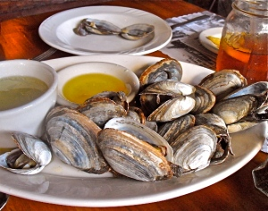 We can't wait to get to Maine and have to stop for steamers at The Old Salt in Hampton, NH.